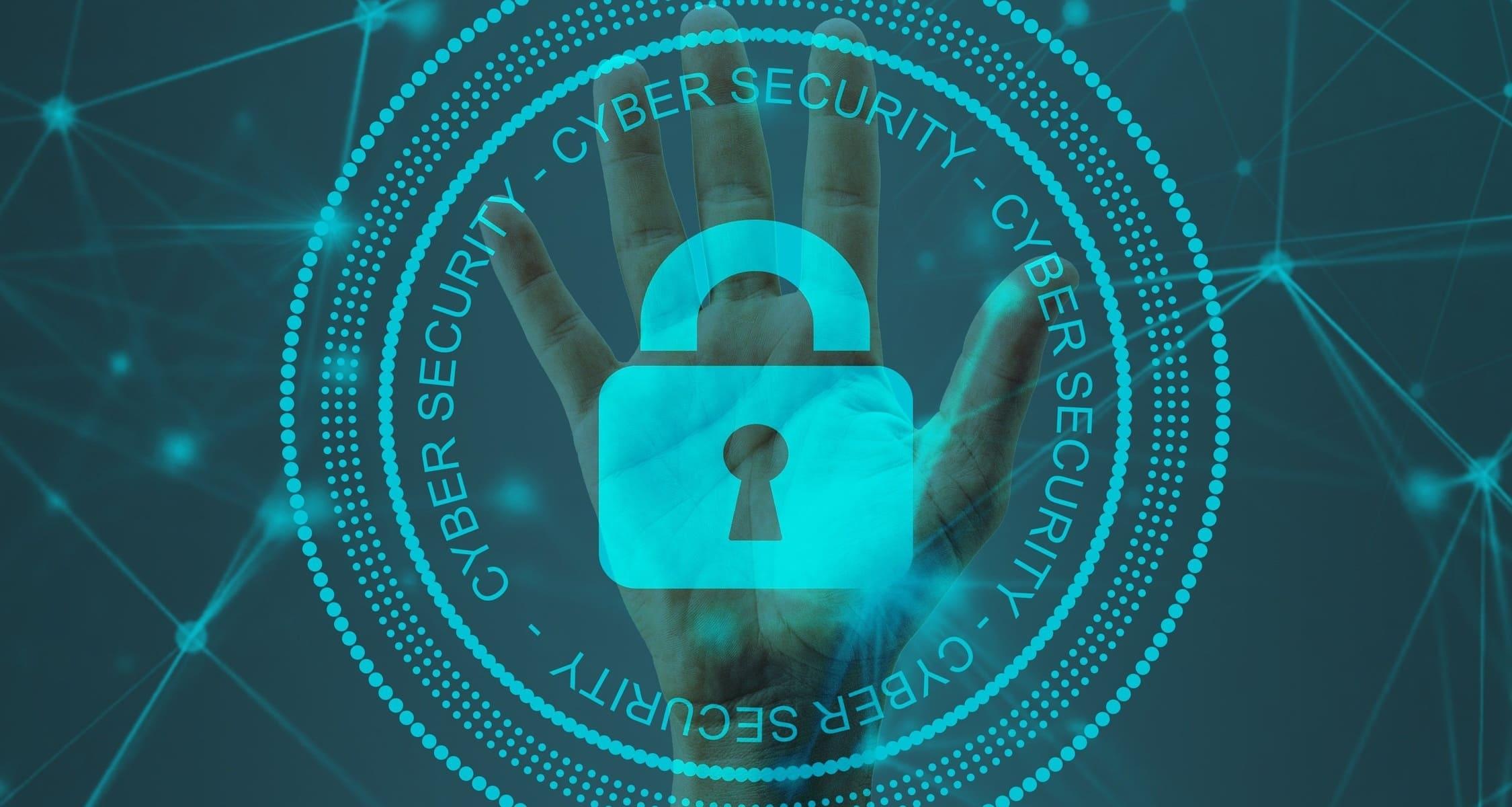 immagine con lucchetto con scritto cyber security